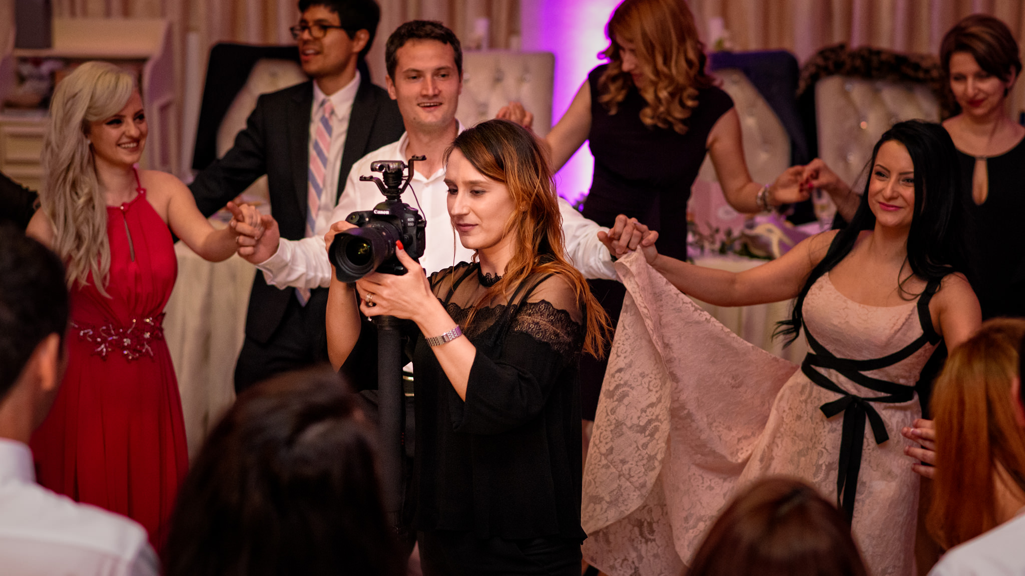 De ce CINEMATICO - Filmare nunta _ Oana Butculescu
