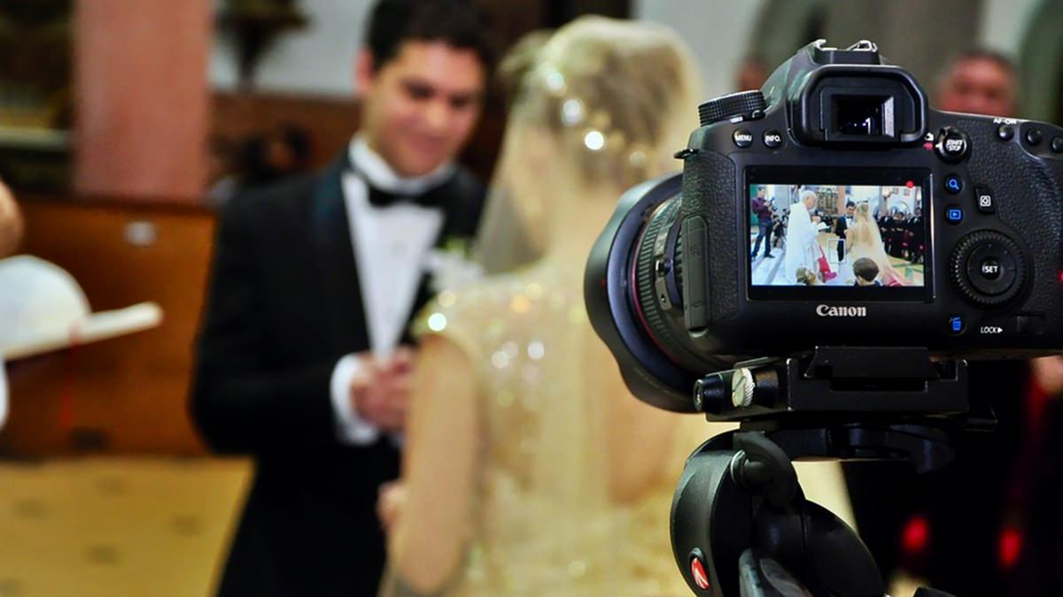 filmarea nuntii in doua camere