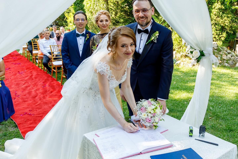 Care este pretul corect pentru fotografia de nunta?